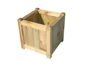 nelinurkne klassikalise stiiliga puidust istutuskast välitingimustesse